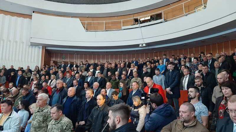 – Жодного кроку назад! Ми не дамо вам здати Україну! – у Вінниці міністра оборони закидали жорсткими запитаннями і підняли на сміх фронтовики, волонтери та журналісти (відео)
