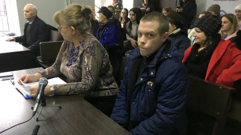 Вінницький суд відправив обвинуваченого у вбивстві собаки під домашній арешт