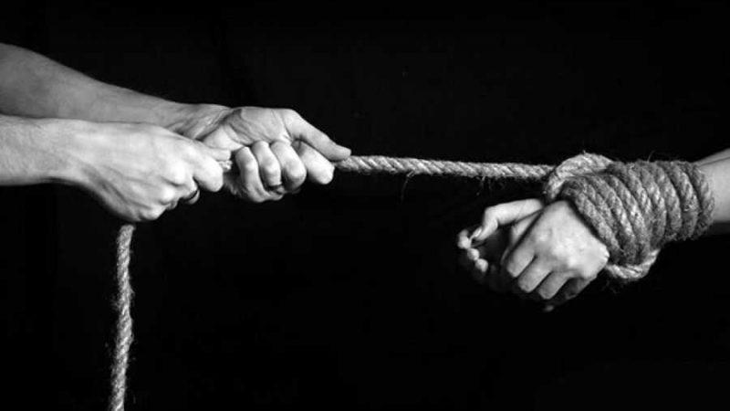 На Вінниччині циганка продала в рабство 2 людей  на лісопилку