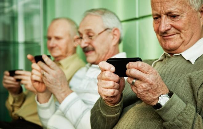 У вінницькій бібліотеці літніх людей вчитимуть, як правильно гуглити та надсилати привітальні листівки у Viber