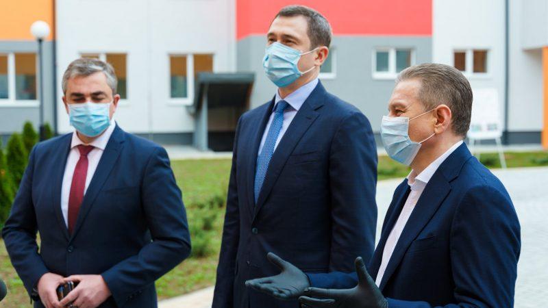 У Вінниці новий міністр оглянув об'єкти, які були закладені урядом Гройсмана