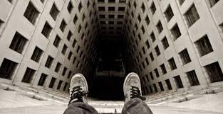 Жмеринчанин покінчив життя самогубством стрибнувши з даху будинку