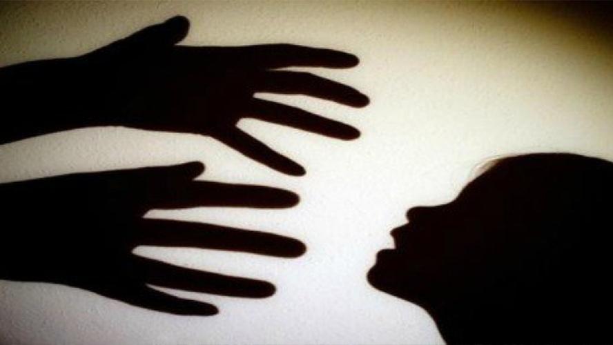 На Вінниччині зловмисник затягнув школярку під міст та пограбував