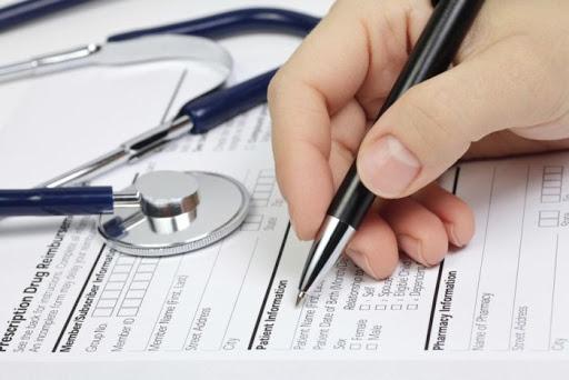 Вінницьких лікарів страхуватимуть від COVID-19