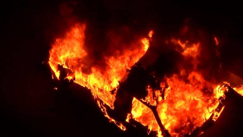 На Вінниччині загорівся автомобіль Mitsubishi