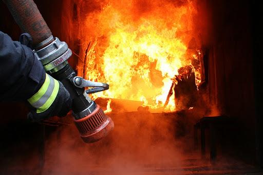 У Вінниці загорілась багатоповерхівка