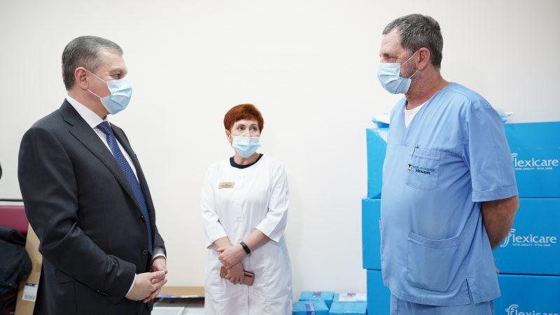 Мер Моргунов: Надзвичайно важливо, щоб усі наші міські «ковідні» лікарні були забезпечені обладнанням, медикаментами і кадрами