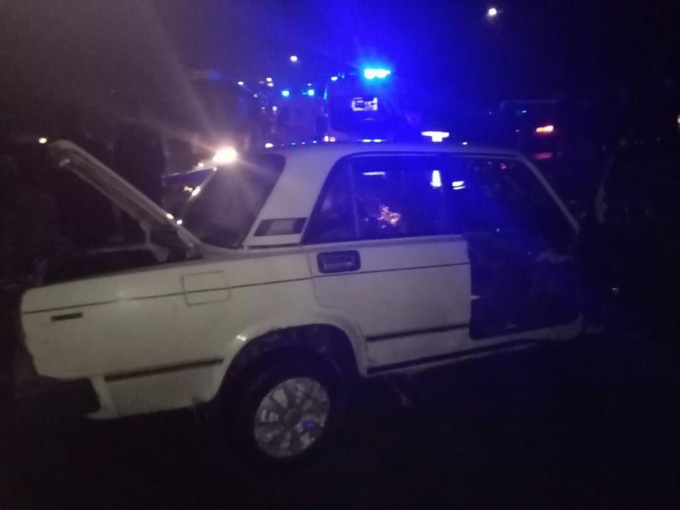На Вінниччині рятувальники витягли з авто двох постраждалих внаслідок ДТП