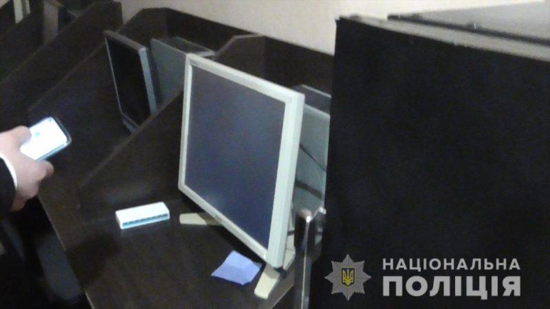 Поліцейські Вінниччини закрили нелегальний гральний заклад