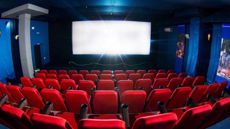 Пандемія COVID-19 залишило місто на Вінниччині без кінотеатру