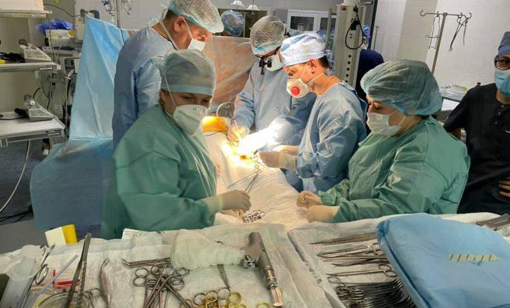 Вінницькі лікарі провели надскладну операцію на серці