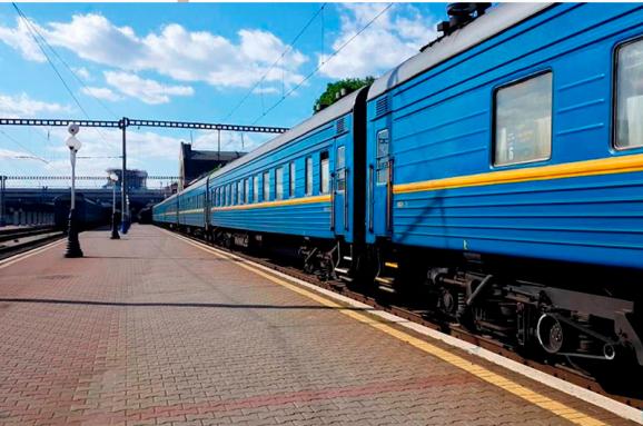 Укрзалізниця відмінила три потяги, які ходили через Вінницю
