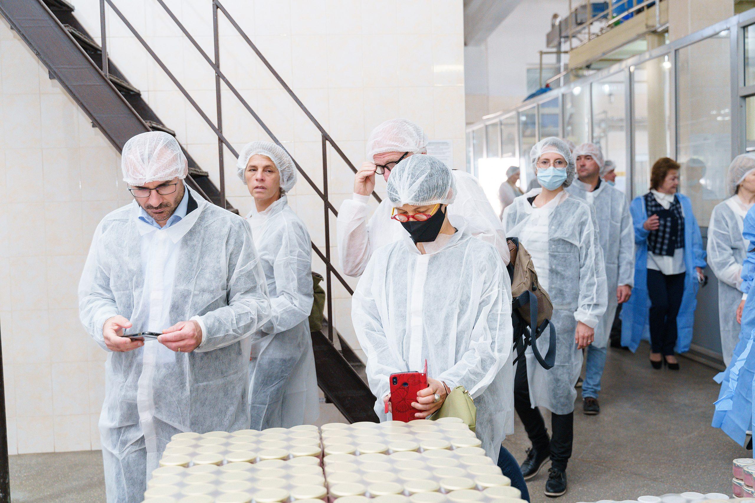 Французька делегація побувала на Вінницькій харчосмаковій фабриці