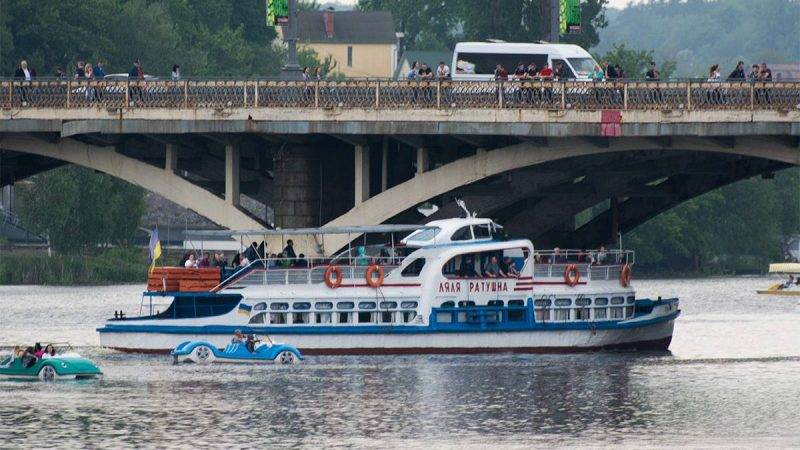 У Вінниці депутати підтримали пілотний проект про створення річкового пасажирського судна з електродвигуном