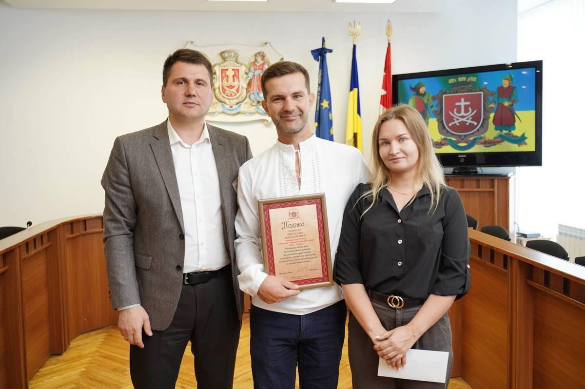Вчора Подякою міської ради та грошовою премією нагородили вінничанина