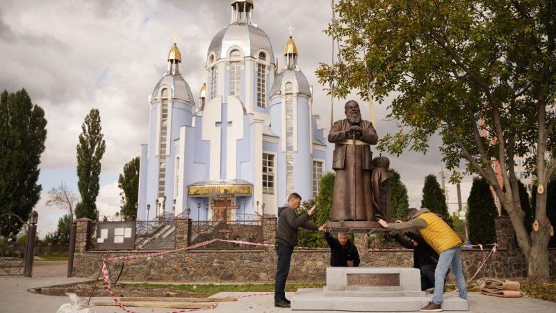 У Вінниці встановлюють перший в Україні пам'ятник Любомиру Гузару
